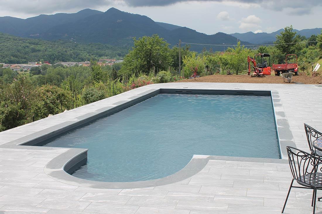ristrutturazione piscina skimmer colore antracite